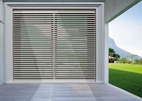 Frangisole rr serramenti rovigo infissi e porte alluminio legno pvc - Serranda finestra ...